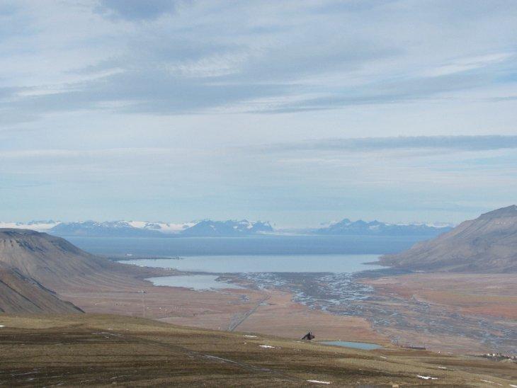 Blick ins Adventdalen, auf den Adventfjord