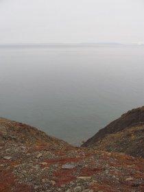 In Revneset hat's eine steile Küste.