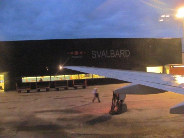 Abflug! Pünktlich um 4:05 Uhr startet der Flieger in Richtung Tromsø