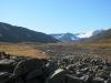 Zu Beginn noch steinig, geht das Bjørndalen schnell zu nasser Tundra über