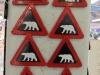 Mehr Eisbär-Warnschilder