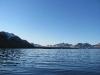 Das Segelboot bringt uns näher an den Gletscher Esmarkbreen